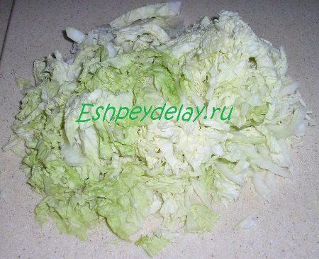 Мелко порезанная пекинская капуста
