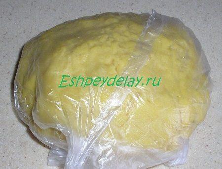Тесто в целлофановом пакете