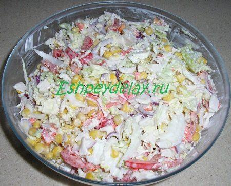 Готовый салат из крабовых палочек