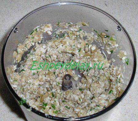 Фарш из грибов и курицы с зеленью