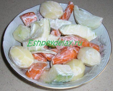 Овощи с майонезом