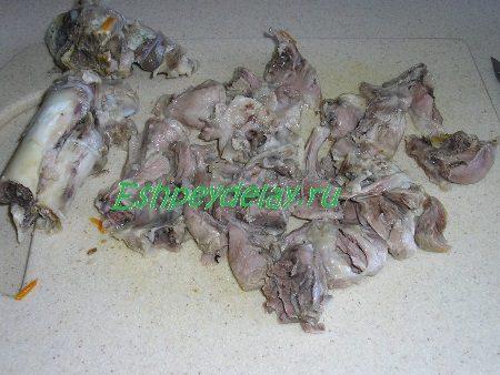 Отделённое от костей и порезанное мясо