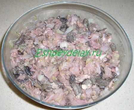 Готовый куриный фарш с грибами и печенью