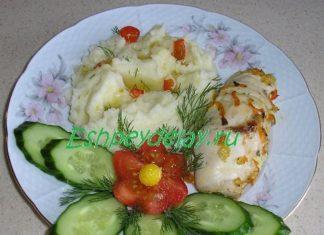 Рулетики из куриной грудки с овощами
