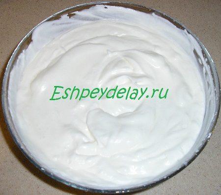 Сливки с желатином и йогуртом