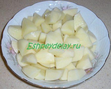 Покрошенная кубиком картошка