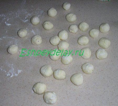 Творожные шарики с ягодой