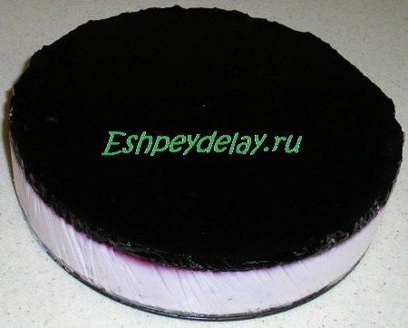 Готовый торт из черники