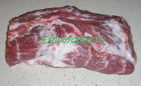Мясо натёртое солью и перцем