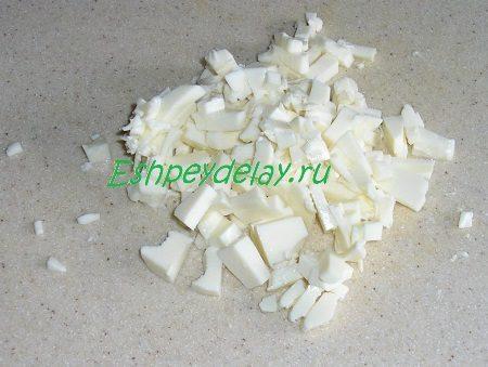 Мелко порезанный плавленный сыр