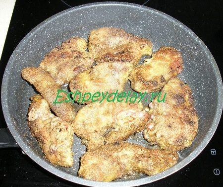 Обжаренная печень на сковороде