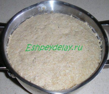 Подошедшее тесто для полезных оладий