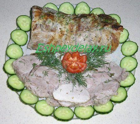 Свиная шея, запеченная в духовке