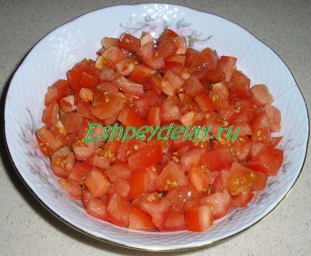 Помидоры в салатнике
