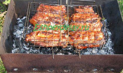 свиные ребрышки на мангале