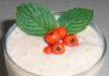 Десерт из красной рябины