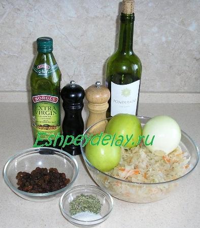 Рецепт квашеной капусты тушеной с яблоком