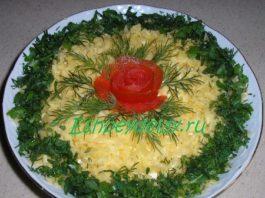 Салат из кириешек помидор и сыра