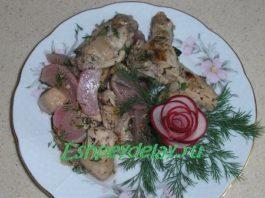 Курица тушеная с редисом
