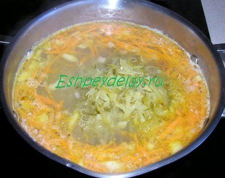 Добавляем в суп огурцы
