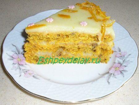 Морковный торт в разрезе