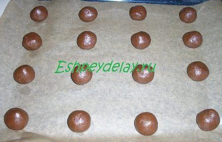 Заготовки для печенья на противне