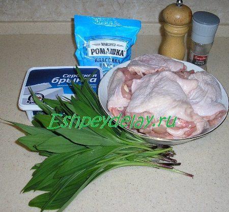 Рецепт куриных рулетиков с колбой и брынзой