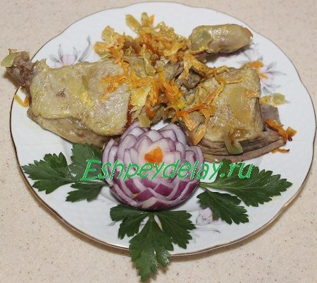 Кусочки утки с овощами