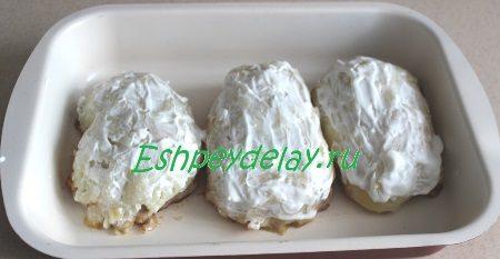 Шубка из картофеля обмазанная майонезом